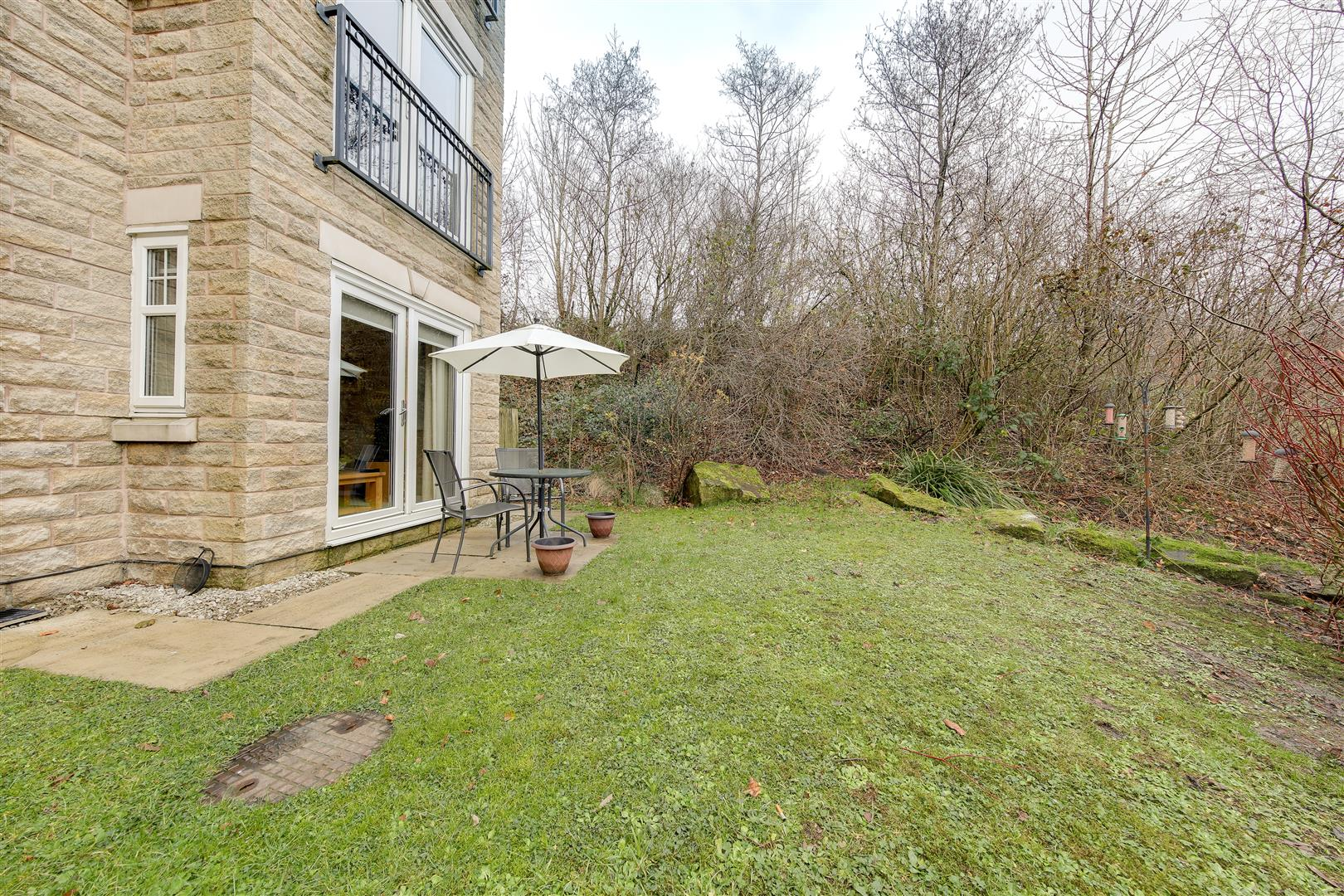 2 Bedrooms Apartment Flat for sale in Grange Park Way, Helmshore, Rossendale